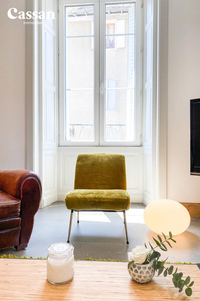 salon fauteuil vintage béton ciré