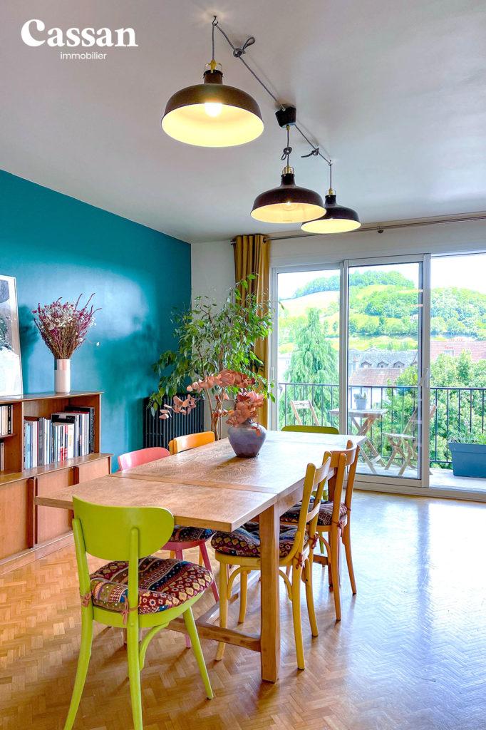 appartement salle à manger vue terrasse puy courny