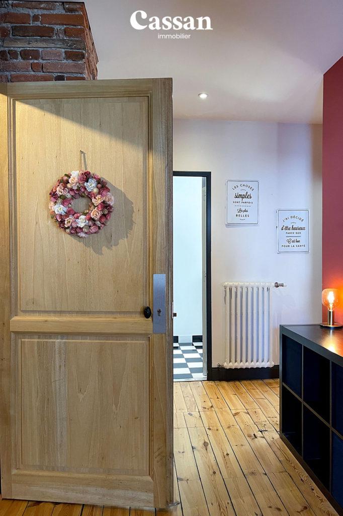 entrée appartement bois plancher